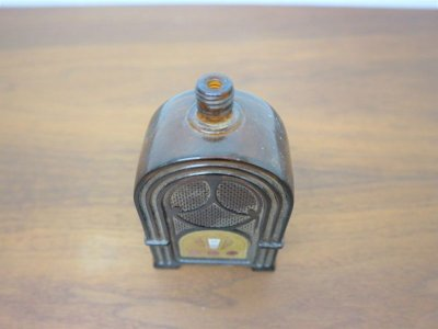 画像2:  ビンテージ AVON社製 箱付きボトル